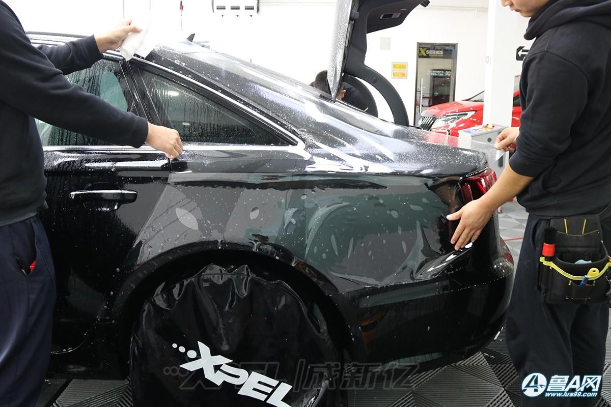 奥迪A6L装贴隐形车衣