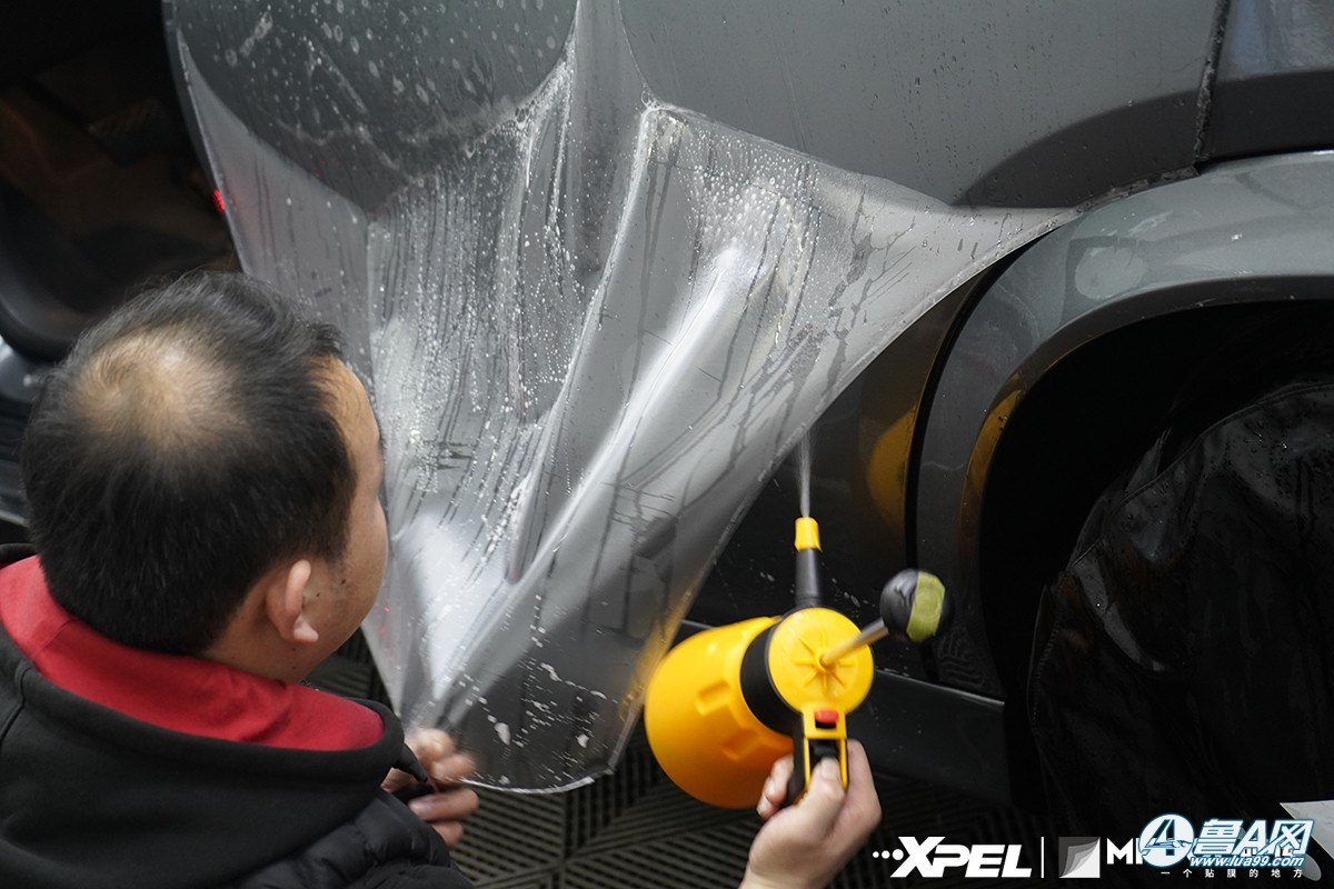 奔驰GLE350灰装贴XPEL哑光车衣